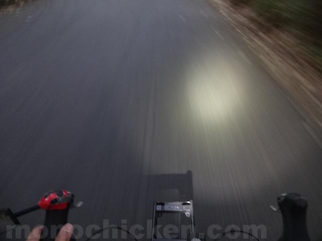 意外と気付かないライトの角度 画像