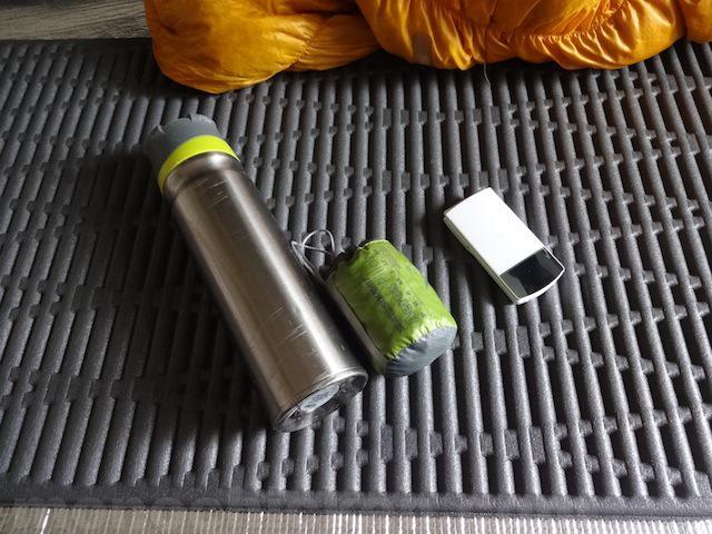 登山/アウトドアの枕 ISUKA イスカ ノンスリップピロー その3「空気を入れるタイプの枕・ウレタン入り」実際使ってはいない 画像