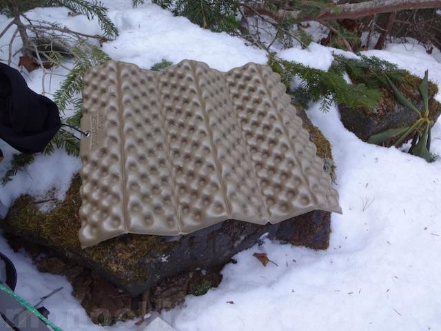Zシート/サーマレスト むしろ座りたくなるおすすめの登山/アウトドア座布団 画像